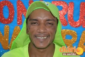 Também conhecido como Chokito, Fransualdo já foi palhaço e alegra os colegas com seu bom humor
