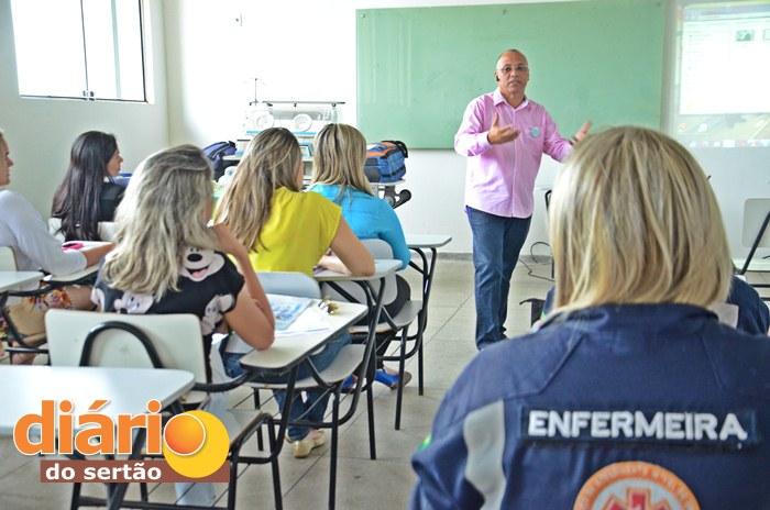 Curso do COREN realizado em Sousa (foto: Charley Garrido)