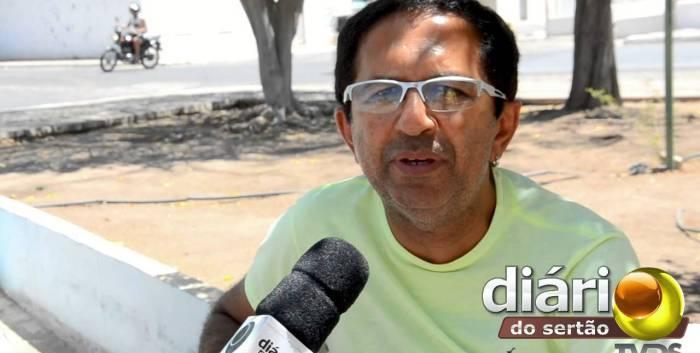 Cantor Judimar Dias foi agredido durante o roubo (foto: Diário do Sertão)
