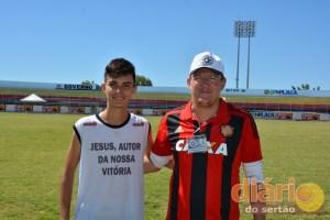 Otávio Henrique e professor Bruno