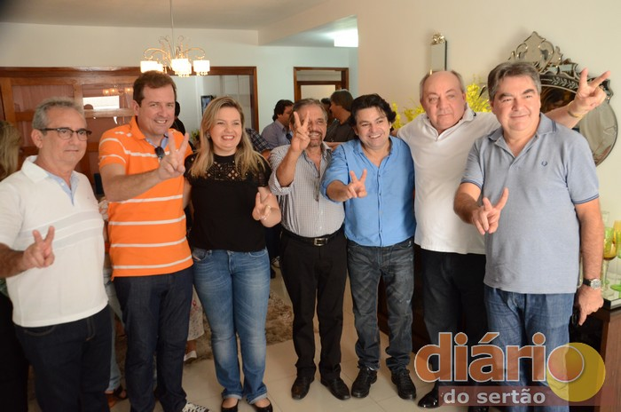 Foto representante a união do grupo das oposições na cidade de Sousa