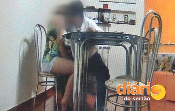 Professor acusado de abusar de aluna (foto: reprodução/vídeo)