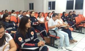 Enfermeiros em assembleia (Foto: Canal Interface)