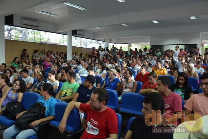 Universitários de Cajazeiras poderão ocupar campus da cidade em protesto contra PEC 241 do Governo Temer
