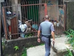Policiais militares chegaram ao local depois de denúncia anônima (Foto: PM/Divulgação)