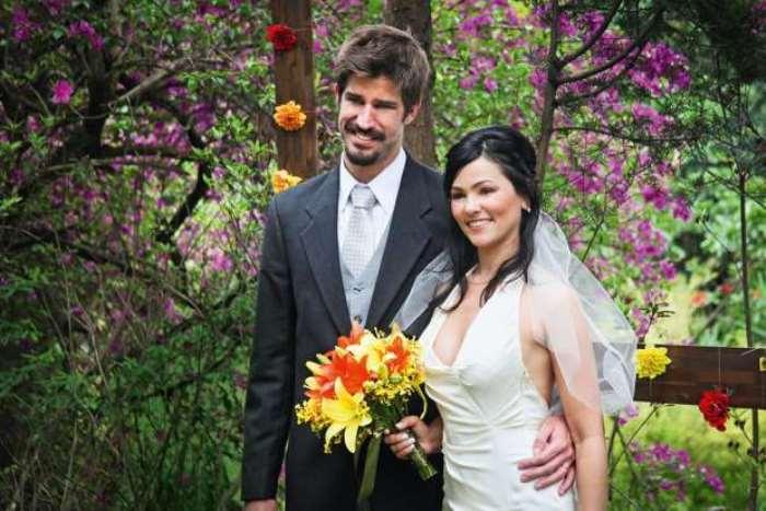 © Fornecido por Abril Comunicações S.A. Com o ex-tenista Saretta: casamento em 2010 (Foto: Arquivo pessoal)