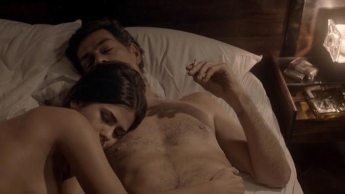 Antonia Morais em cena quente com Eduardo Moscovis (Foto: Reprodução / GNT)