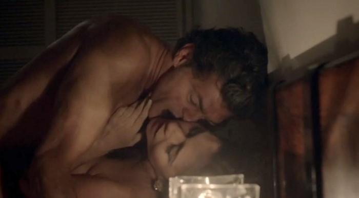 Eduardo Moscovis em cena de sexo com Alessandra Negrini (Foto: Reprodução / GNT)