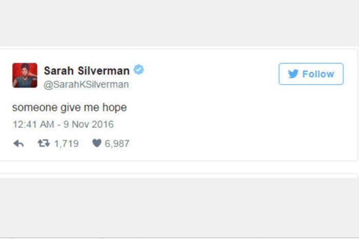 """A atriz e comediante Sarah Silverman escreveu apenas """"alguém me dê esperança"""""""