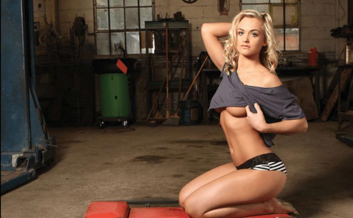 RACHEL WRAY - Ela já foi líder de torcida no futebol americano. Ela saiu das arquibancadas e migrou de esporte. Alguém tem dúvida de que, hoje, é uma das mais belas e sensuais do MMA? © REPRODUÇÃO / INSTAGRAM