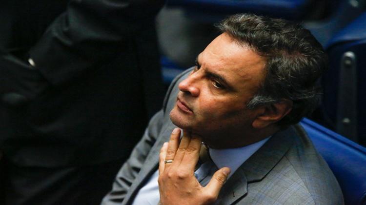 Aécio é denunciado por corrupção passiva e obstrução de Justiça