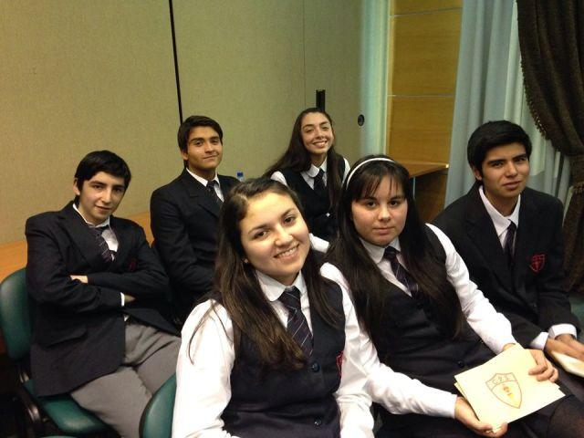 Los alumnos que representaron al colegio en el torneo fueron: Tomás Moraga (1° M), Rafael Cortez (4° M), Javiera Peys (4° M), Camila Vargas (2° M), Hilda Cornejo (3° M), y Cristián Ormazábal (4° M).