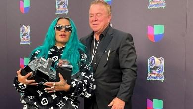 Photo of Karol G y Bad Bunny se coronan en los Premios Juventud
