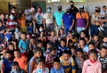 Photo of Marlon Rojas y Eduardo Durán regalaron un día especial a niños de El Tigre