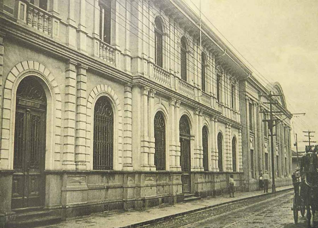 Resultado de imagen para Antigua Cámara de comercio o banco anglo, san jose, costa rica