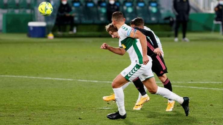 Luka Modric marca contra el Elche