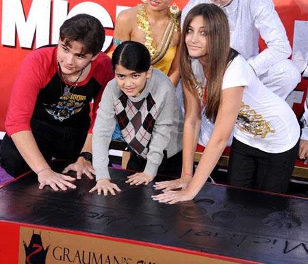 Michael Jackson podría no ser el verdadero padre biológico de sus hijos Paris y Prince Michael, reseña EOnline Latino