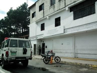 patrullaje inteligente de Poliguaicaipuro este miércoles fueron capturados dos ciudadanos portando facsímil.ARCHIVO