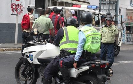 La policía estadal detuvo a cerca de 20 implicados en el disturbio