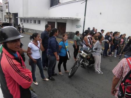 En total eran unas 60 familias del sector Nuevo Bosque en Colinas del Paso, que acudieron a la sede del Mercal para adquirir su nueva bolsa
