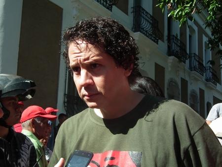 El alcalde del municipio dirigió la movilización hacia Caracas y aseguró que ambos sectores políticos tienen derecho a manifestarse, siempre y cuando se rijan por la Constitución