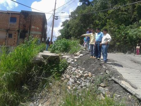 Vecinos esperan que alcaldia de Guaicaipuro se apersone e inicie los trabajos