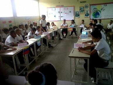 En la UEE Dilia Delgado de Bello varios estudiantes abordaron sin importar la hora la realidad venezolana