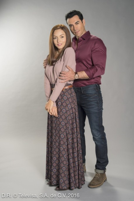 ANGELIQUE BOYER Y DAVID ZEPEDA EN TRES VECES ANA