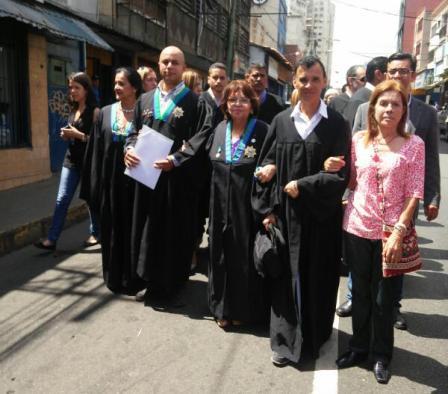 Ayer entregaron documento ante la fiscalía en Los Teques