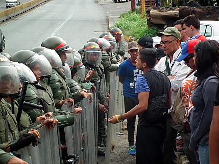 en el sector Los Nuevos Teques la protesta se vivió con total civismo