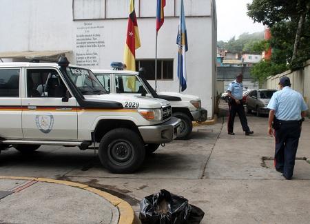 Los oficiales se encontraban por la referida localidad, donde avistaron a Echezuría  Delgado, quien actuó de forma sospechosa al ver la comisión