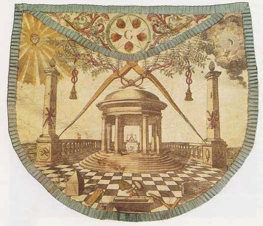 Mandil masónico de Helvetius que llevó Voltaire durante su iniciación. Actualmente está expuesto en el Museo de la Franc-Masonería de Paris