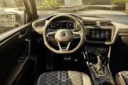 Interior Volkswagen Tiguan 2020 16 thumbnail