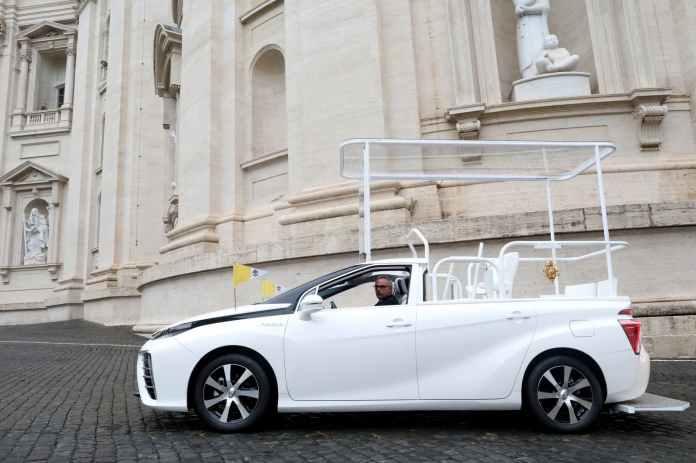 Papamovil Toyota Mirai Hidrogeno 05