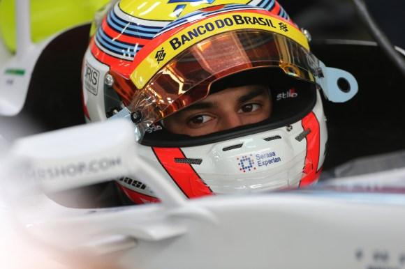 Felipe Nasr durante o primeiro treino livre de sexta-feira (Foto Beto Issa/GP do Brasil/Sexta, 07.11.2014)