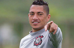 Corinthians anuncia retorno do volante Ralf