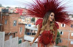 "Fernanda Lacerda, a ""Mendigata"", revela estar solteira"