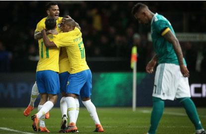 Brasil vence Alemanha e começa a enterrar o 7 a 1