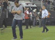 Aguirre elogia 'cortesia' de Fábio Carille e defende Liziero: 'Craques erram pênaltis'
