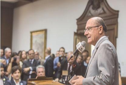 Alckmin diz apoiar Doria, que bate boca com França