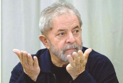 Lula e Bolsonaro seguem à frente em disputa eleitoral, revela pesquisa CNT