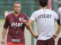 Aguirre prepara S.Paulo com variações para estreia contra o Rosario na Sul-Americana