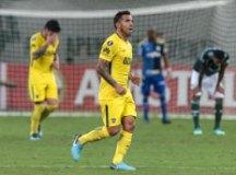 Palmeiras joga mal e sofre empate do Boca no fim