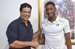 São Paulo formaliza a contratação do atacante uruguaio Gonzalo Carneiro por três temporadas
