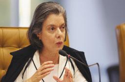 Cármen se torna segunda mulher a assumir a presidência da República