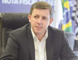 Orlando Morando ajuíza ação contra PEC dos supersalários