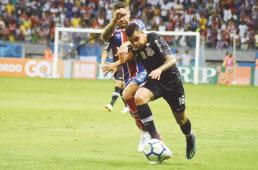 Com gol no final, Corinthians perde para o Bahia na Fonte Nova