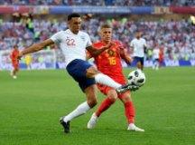 A Bélgica, de Thorgan Hazard, levou a melhor sobre a Inglaterra, de Arnold. Foto: Divulgação/FF