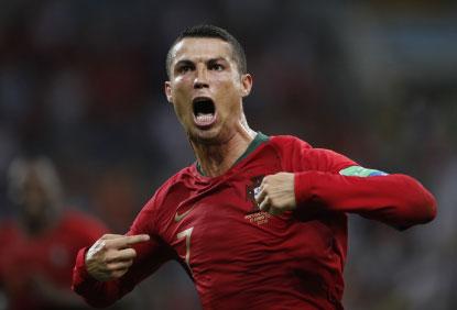 Cristiano Ronaldo brilha em empate ibérico