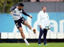 Gabigol encara treino extra de finalizações e pode amargar o banco de reservas no Santos